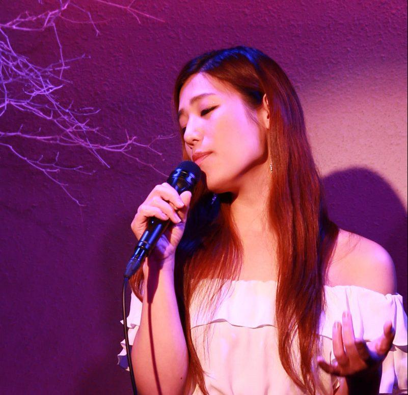 樋口亜弓(シャンソン歌手)