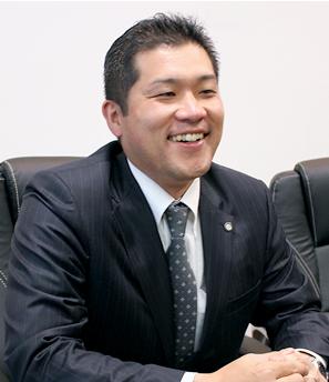 cホールディングスの山﨑寿志専務